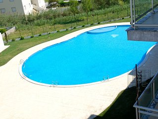 Top floor, 3 bedroom, luxury apartment by beach, sea views, pool, 13099/AL