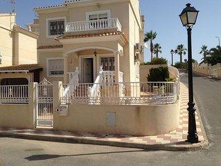 Detached 3 bedroom, 2 bathroom Villa with 2 Balconies and Front Porch
