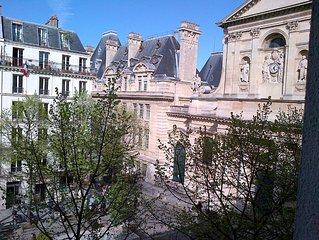 Place de la Sorbonne : THE STUDIO NUMBER ONE au coeur du quartier latin  !!!