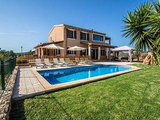 Sa Marina, casa rural, cerca de la playa, con piscina protegida para niños.