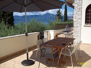 Villa nell'uliveto, lago di Garda Torri del Benaco, 3 camere 6 persone