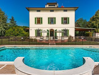Great Villa in Tuscany with luxury pool, family-friendly and pet-friendly!