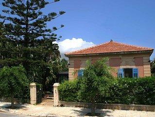 Incantevole villa liberty a Mondello