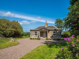 WEST LODGE - A cosy gate lodge with walking, wildlife and beautiful river walks