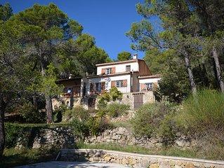 Magnifique villa , vue imprenable, piscine, calme