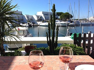 Upscale luxur. marina duplex: 2 bdr, renovated, seafront, S-facing, priv. jetty