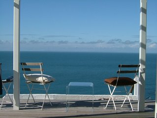 Superb house and panoramic views,overlooking the sea. Devon surfing coast.