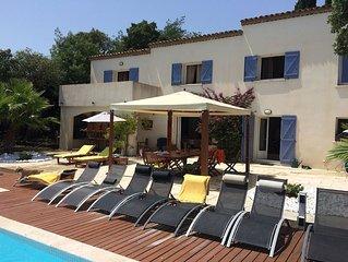 Superb Family Friendly 6  Bedroom Villa Sleeps 20, sea view, infinity pool