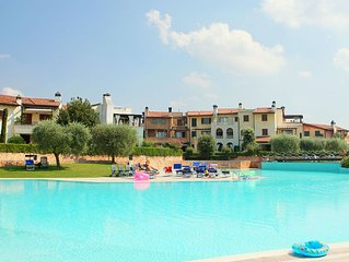 Apartment in residence 400m from Lake Garda