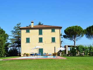 Villa in Camucia-monsigliolo with 5 bedrooms sleeps 12