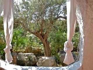 Villa sulla spiaggia immersa nella macchia mediterranea