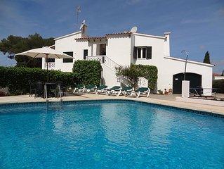 Splendida e spaziosa villa x 6 persone, free wifi, piscina  e parcheggio privati