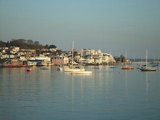 A seafront holiday home with panoramic views of Cowes Harbour and the Solent.