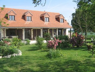 Les Aubepines, luxury farmhouse with  private pool and Spa/Hot tub/Jacuzzi