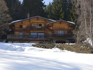 Great traditional family wooden chalet facing Mont Blanc 18 people