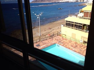 Apartamento con piscina en primera linea de la Playa de Las Canteras Gran Canar