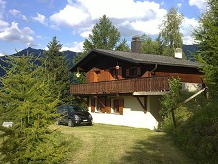 Superb 4 Valleys Chalet close to pistes - beat the queues