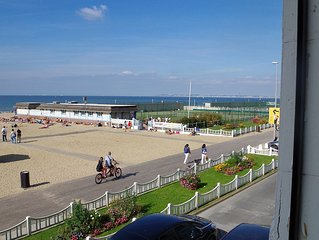 DEAUVILLE TROUVILLE LOFT FOR RENT 8 PEOPLE ON THE BEACH