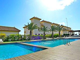 Lujoso apart con 2 Dormit, terraza, WIFI, A/C, piscina, Spa, gim y 5 min a playa