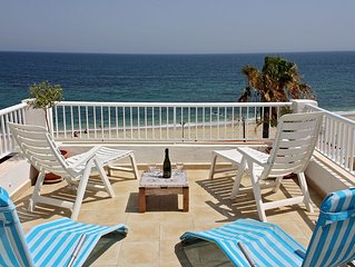 Aguilas Beachhouse, year round great weather, A/C,    Wi-Fi,Satelite TV.