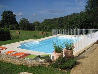 Très agréable maison avec piscine aux portes du Périgord noir