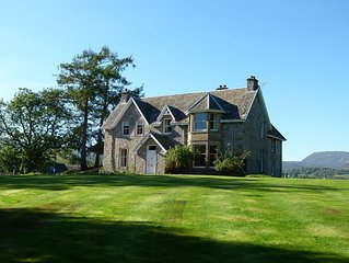Large 5-bedroom farmhouse set within the beautiful Cairngorm Mountains