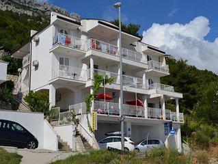 Apartments and rooms Dubravka, (13248), Pisak, Omis riviera, Croatia