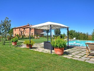 Sweet and welcoming villa with shared swimming pool in super panoramic location