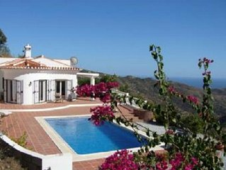 Villa With Private Pool And Amazing Views Of The Mediterranean 3 Bedrooms And 2