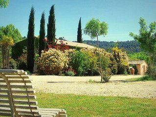 House with garden in Luberon