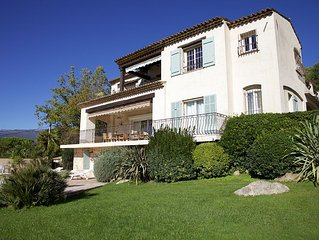 Charm provencal house Direct in the village center