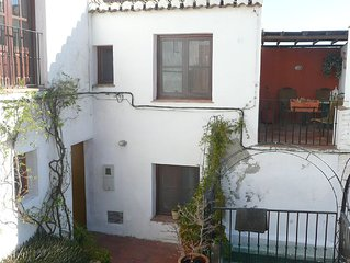 Claro Del Luna, a 1 bed house, with veranda and large pool