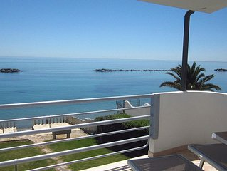 Terrace on the sea with views of the sparkling sea splendidia