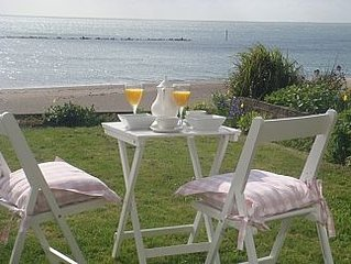 'Beaches' Sea Front House with Full Sea Views