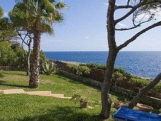 Seafront Villa with Private Pool, Breathtaking Sea View