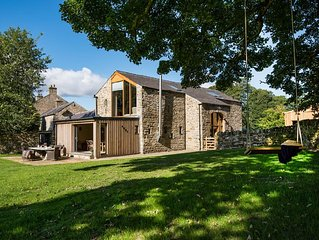 THE BARN & THE COWSHED - sleeps 14, stunning barn conversion, luxury finishes