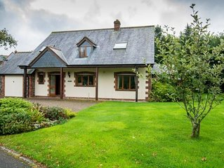 A lovely 4 bed property adjacent to the picturesque lakes
