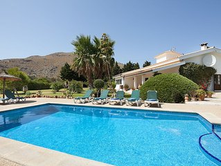 Beautiful villa in walking distance to beaches, mountains and pinewalk