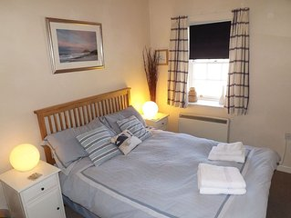 Cosy Holiday Cottage in heart of Seahouses, quiet location