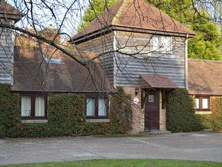 Tranquil, well-equipped Four-Star Cottage in historic '1066 Country'