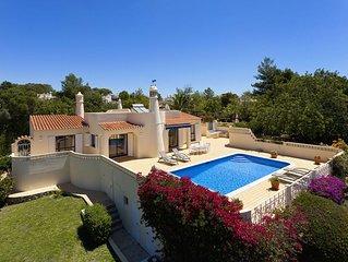 Villa in Ruhiger Lage mit Meerblick und beheizbarem Privatpool
