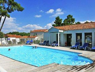 Apartment Le Domaine des Oyats  in Longeville - sur - Mer, Vendee - 6 persons,