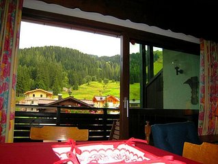 Apartment Monika - a cosy, typical Austrian-style apartment, with large balcony