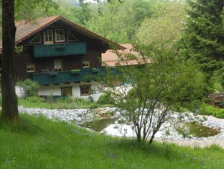 Top-Ferienhaus in Alleinlage nahe Skipiste und St.Englmar/Kollnburg