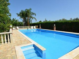 Villa mit Privatpool, wenige km vom Strand, Keine Reinigungsgebuhren.