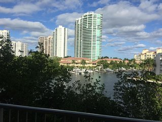 Stunning views over the Bay Marina in Aventura Turnberry