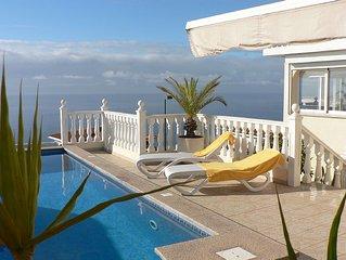 Exklusive und ruhige Privat-Villa mit Pool und fantastischen 180o  Meerbick