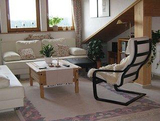 Ruhige, gemütliche 3-Zimmerwohnung mit Terrasse zum Park und Blick übers Tal