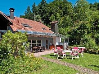 Modernes 200 qm Ferienhaus, Terrasse, Garten, Sauna, Kaminofen