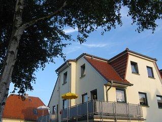 'Gode Tiden' großzügige Komfort-Wohnung mit 2 Duschbädern und Balkonen, u. Wlan